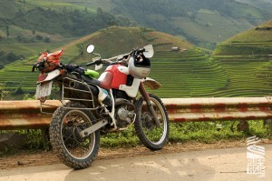 Mu-Cang-Chai-voyage-a-moto-en-petit-groupe-au-vietnam-28